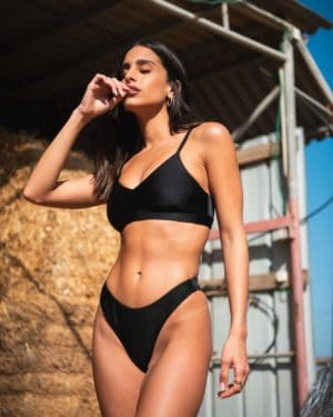 surf lady black