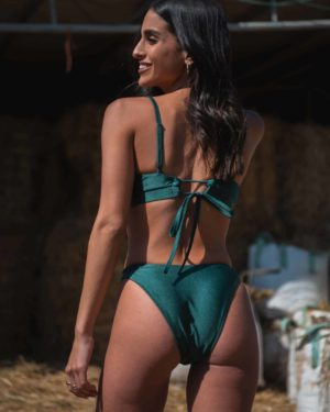 surf lady green